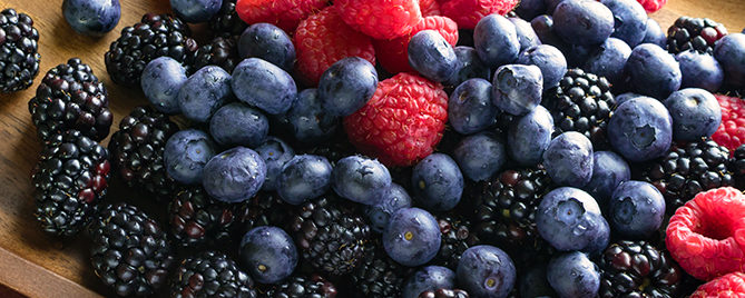 treat-your-immune-system-berries-header