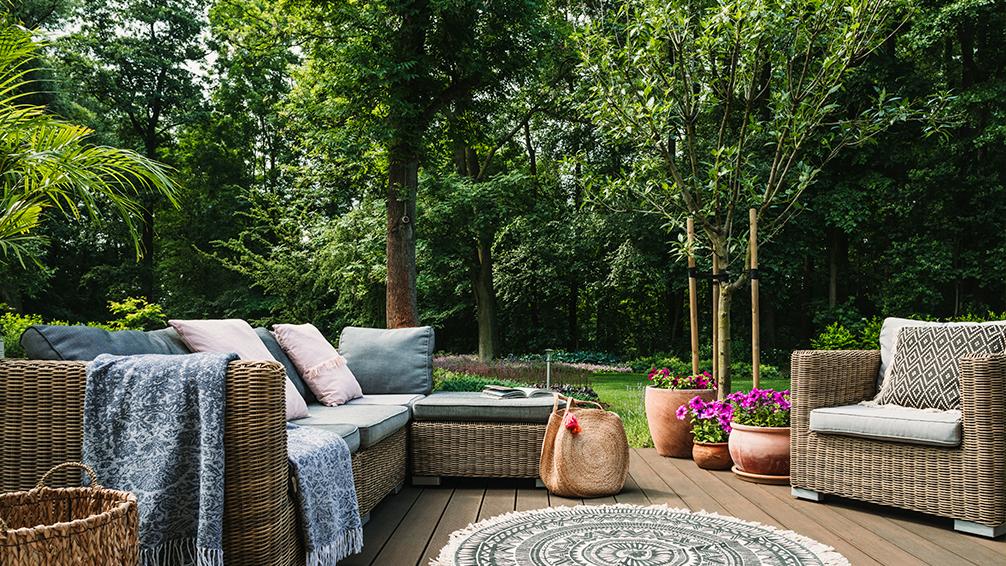 pfas-patio-design-ideas-shade-trees