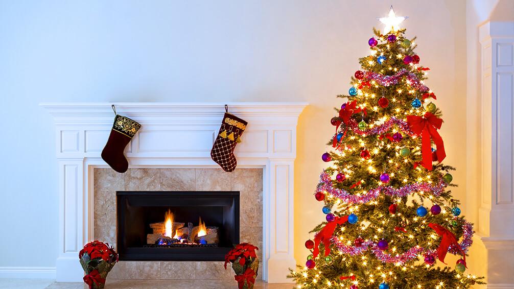 PFAS-christmas-tree-trends-tree-and-fireplace